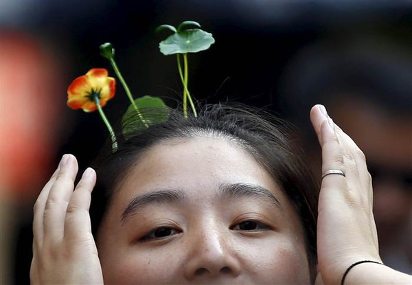 Chinese-Bean-Sprout-Head-wear-Double-Take_grande