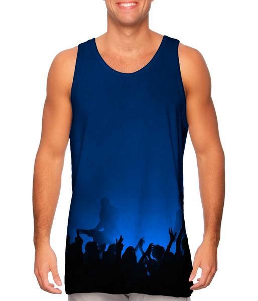 Edm_Music_Makes_The_Crowd_Blue